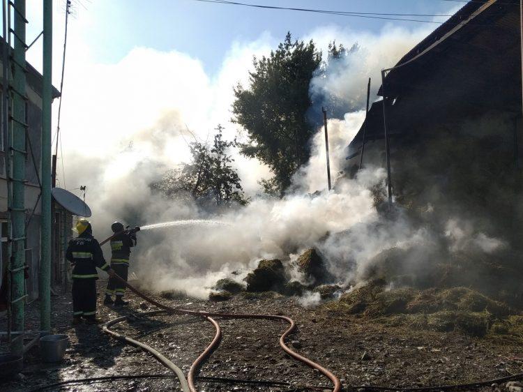 FHN: Düşmənin artilleriya atəşləri nəticəsində mülki obyektlərdə yanğınlar baş verib